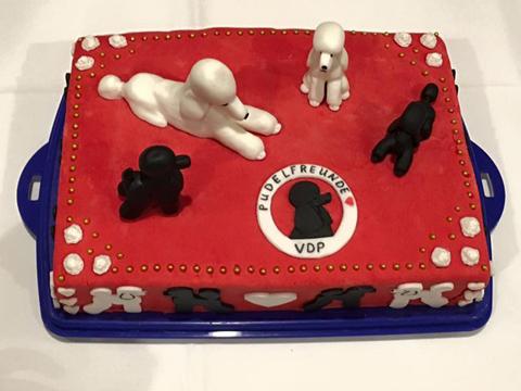 Die Torte wurde mit Fondant in den Farben des VDP überzogen und noch weiter dekoriert.
